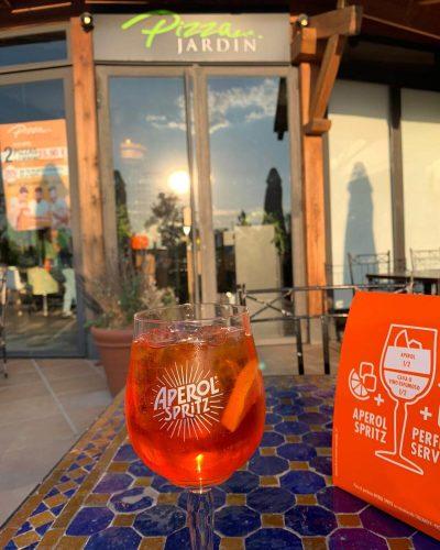 Disfruta de un Aperol Spritz en Madrid en Pizza Jardín